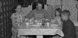 sharon-family-dust-bowl